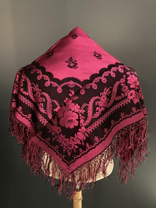 Vente aux enchères costumes de Savoie