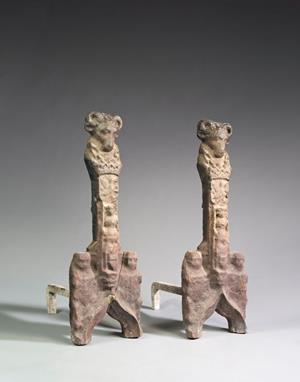 Chenets datant du XVIème siècle